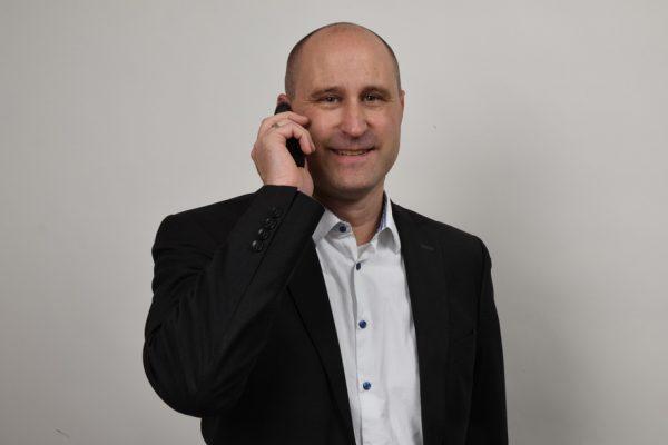 Anwalt Holtine. Anwaltshotline. Telefonische Rechtsberatung vom Rechtsanwalt. Rechtsberatung telefonisch. Rechtsanwalt am Telefon